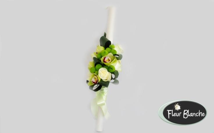 Mariage- un aranjament simplu si distins pentru lumanarea de cununie http://www.florariafleurblanche.ro/produs/lumanare-de-nunta-mariage