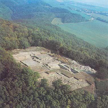 Photos of the OPPIDUM of Europe | Keltské oppidum bylo založeno a nejstarší fáze stavby opevnění ...