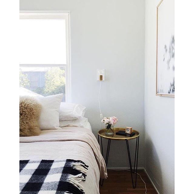 Dunn Edwards Paints Paint Color Distant Cloud Dew370 On The Walls Bedroom Inspiration