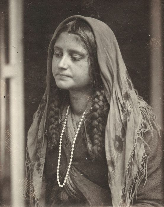 Rom :Photographe anonyme  Roumanie, vers 1930  Tirage argentique - 7x8,5cm