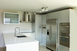 Cuisine design avec frigidaire américain