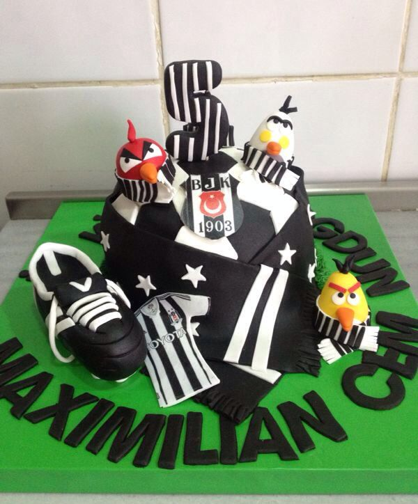 #angrybirds #beşiktaş #birthday #cake #football #team #black #white #man #boy