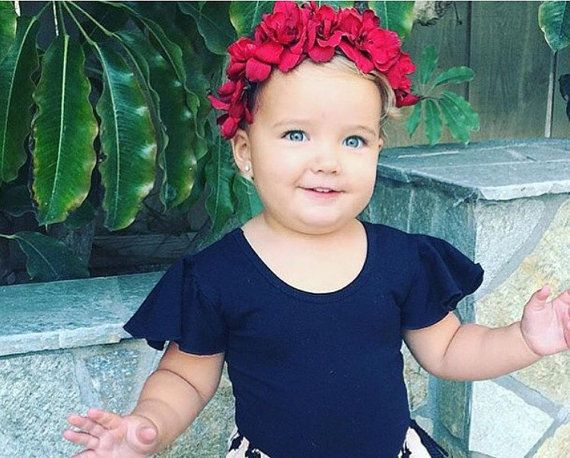 Hey, I found this really awesome Etsy listing at https://www.etsy.com/listing/250001094/red-flower-crown-flower-girl-red-flowers