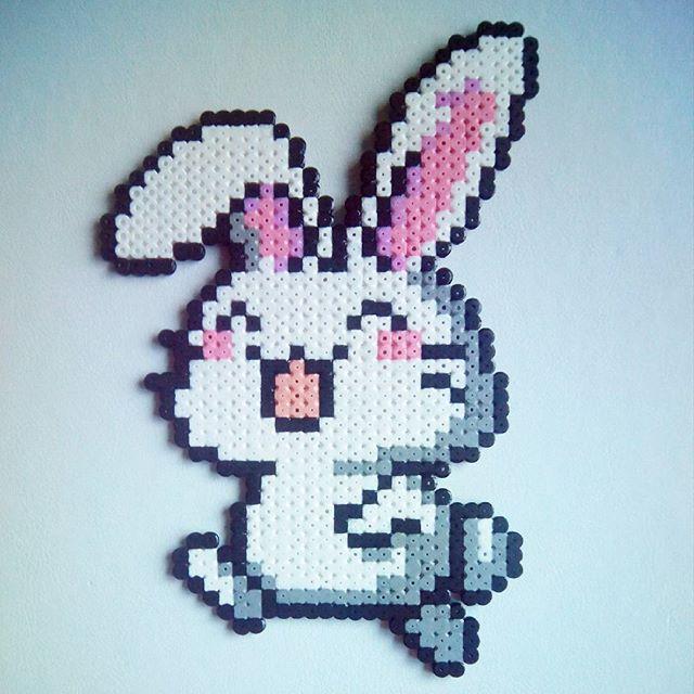 Rabbit perler beads by sara.s_snuisterijtjes