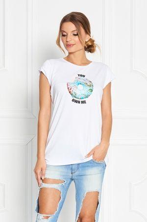 Tričko s krátkym rukávom z limitovanej Zsolnay kolekcie. Predná časť trička je s farebnou potlačou