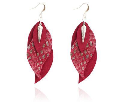 """boucles d'oreilles cuir - leather earrings - boucles d'oreille """"gaïa"""" - boucles d'oreilles violet argent - bijoux en cuir - Made by S▲R▲Y▲N▲- 20€ www.sarayana.fr"""