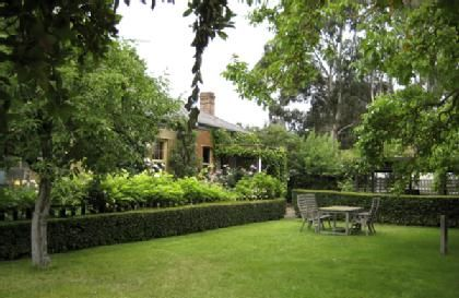 47 best paul bangay gardens images on pinterest formal for Rural australian gardens