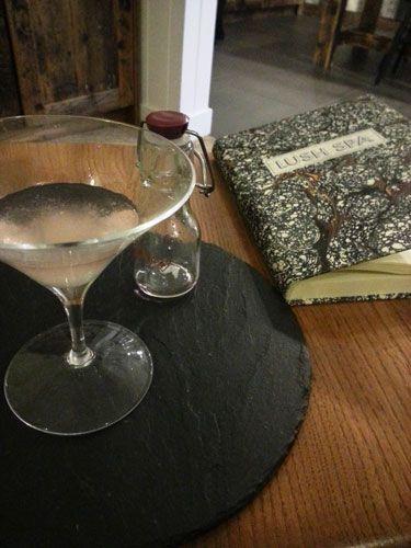 Drink candy floss - drink com algodão-doce em taça de martini - Lush