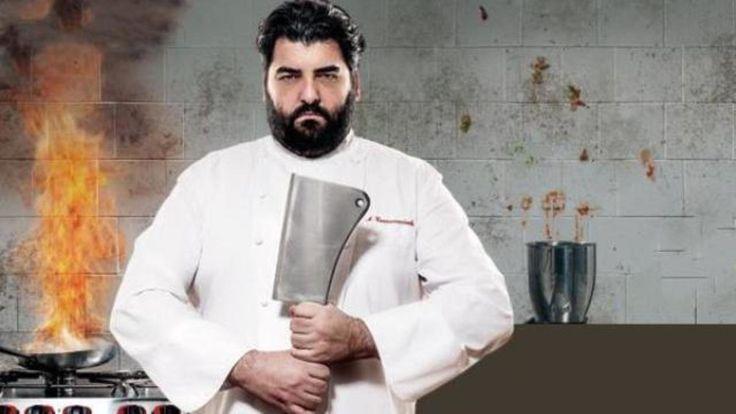 2. Chef cannavacciolo, pur essendo un professionista nel momento in cui spiega e mostra un piatto lo fa in modo semplice