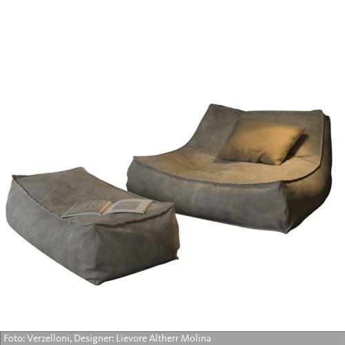 """Die Produktserie """"Zoe"""" des Herstellers Verzelloni verfügt über eine umfangreiche Auswahl innerhalb der Kollektion: Large Sessel, Small Sessel, Chaise Longue, Baby Sessel und Hocker in verschiedenen Maßen. """"Zoe"""" ist auch als Outdoor-Variante erhältlich. In der Outdoor-Ausführung wird """"Zoe"""" sowohl mit wasserabstoßenden Stoffen als auch mit wasserabweisendem Unterbezug geliefert, der Bezug wird mit speziellem und nicht verrottendem Garn genäht."""