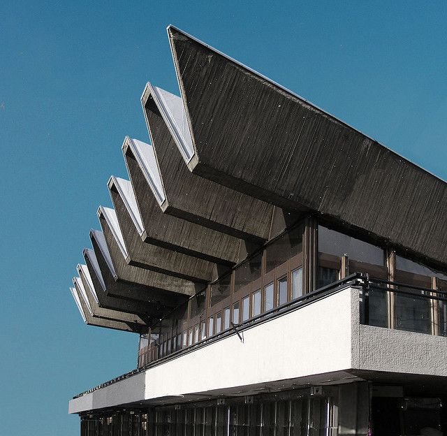 1000 images about concrete in architecture brutalist for Architecture brutaliste