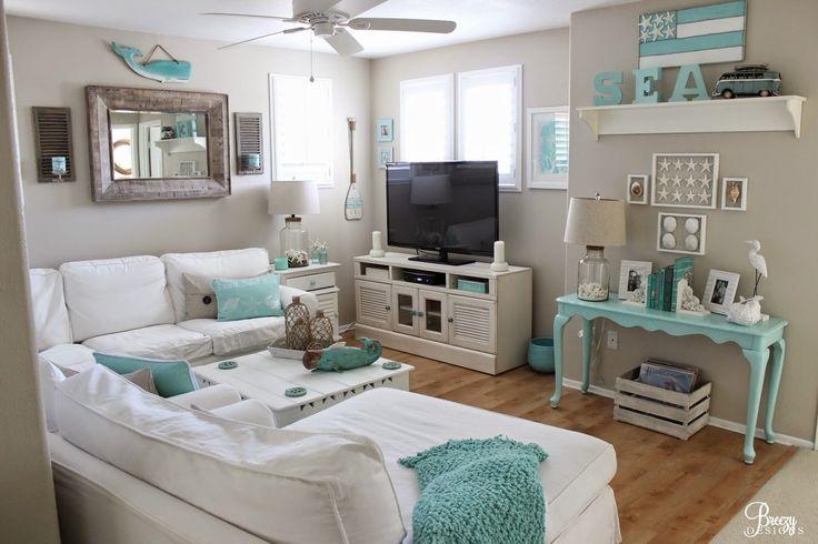 Salón blanco y turquesa