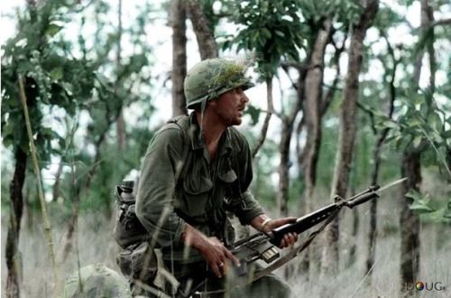 peerintothepast:  U.S. Army 2nd Lt. R.C. Rescorla, Platoon Leader of 2nd Battalion, 7th Cav. Reg., 1st Cav. Div. - Ia Drang Valley, South Vietnam. Nov 16, 1965. Born in England, he first served in the British Army, then joined the U.S. Army. Rick Rescorla, was head of security for banking firm Morgan Stanley Dean Witter, is credited with saving 2,700 people by making sure they left the World Trade Center's South Tower before it collapsed. He was killed when he went back in to rescue more…