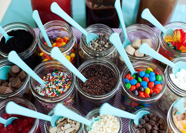 cute idea for an ice cream party - put all the toppings in mason jars (takes up less space too!) Prw scoop ice cream into mason jars. Place lid bck on & put into a large tub of ice. Voila! Self contained sundae.
