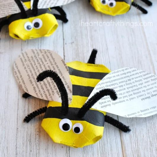 Awesome Recycled Bee Craft | I Heart Crafty Things