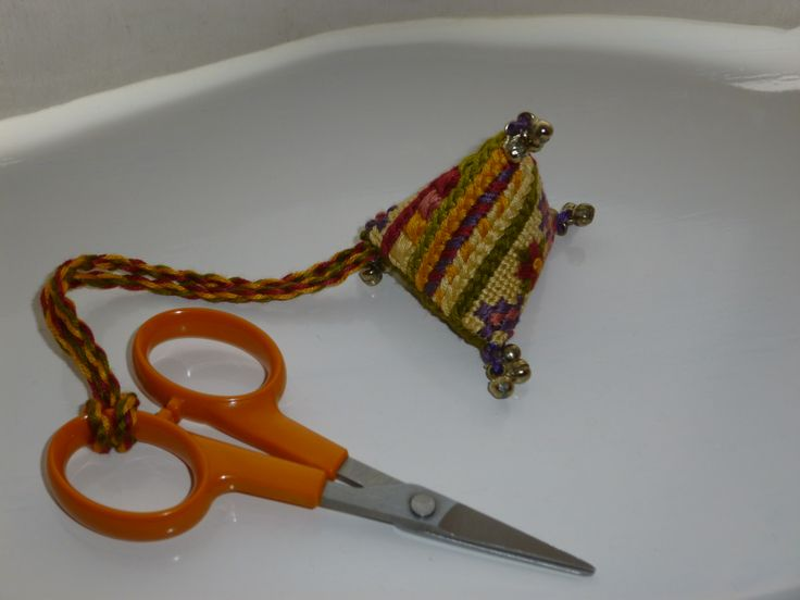 A scissor keeper made from a kit by Sue Hawkins (April 2014).