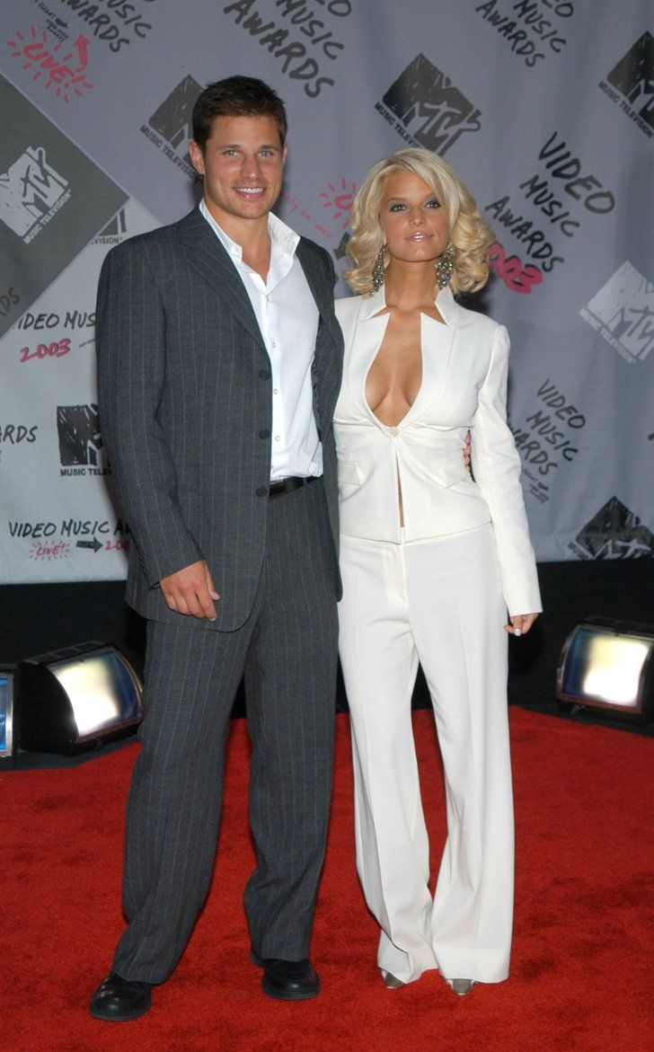 Pin for Later: A Sweet, Somewhat Hilarious History of Celebrity Couples at the MTV VMAs Nick Lachey and Jessica Simpson, 2003