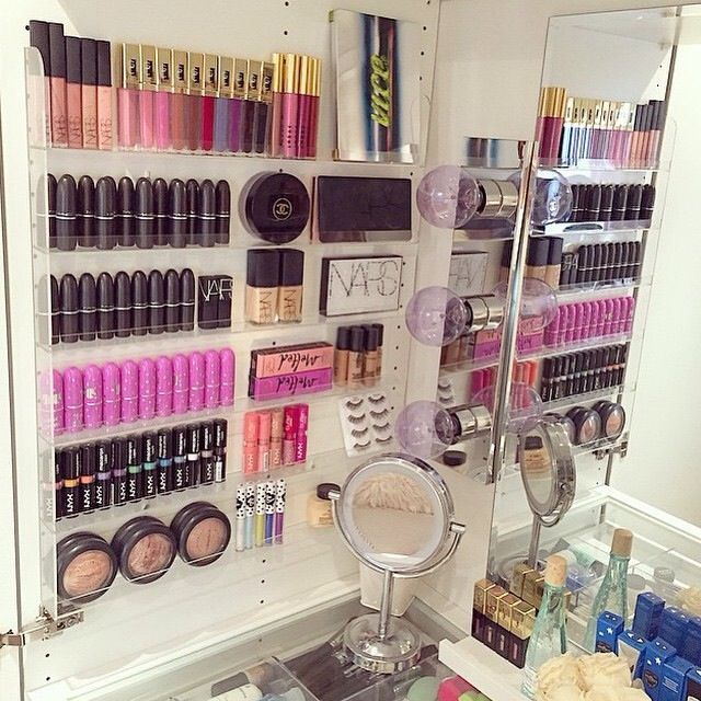 Best 25+ Makeup storage ideas on Pinterest | Makeup ...