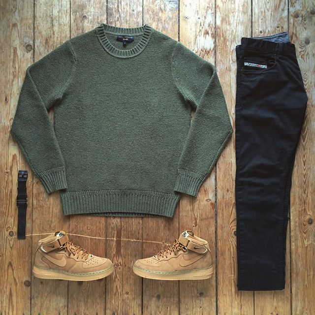 Outfit grid - Green wool sweater