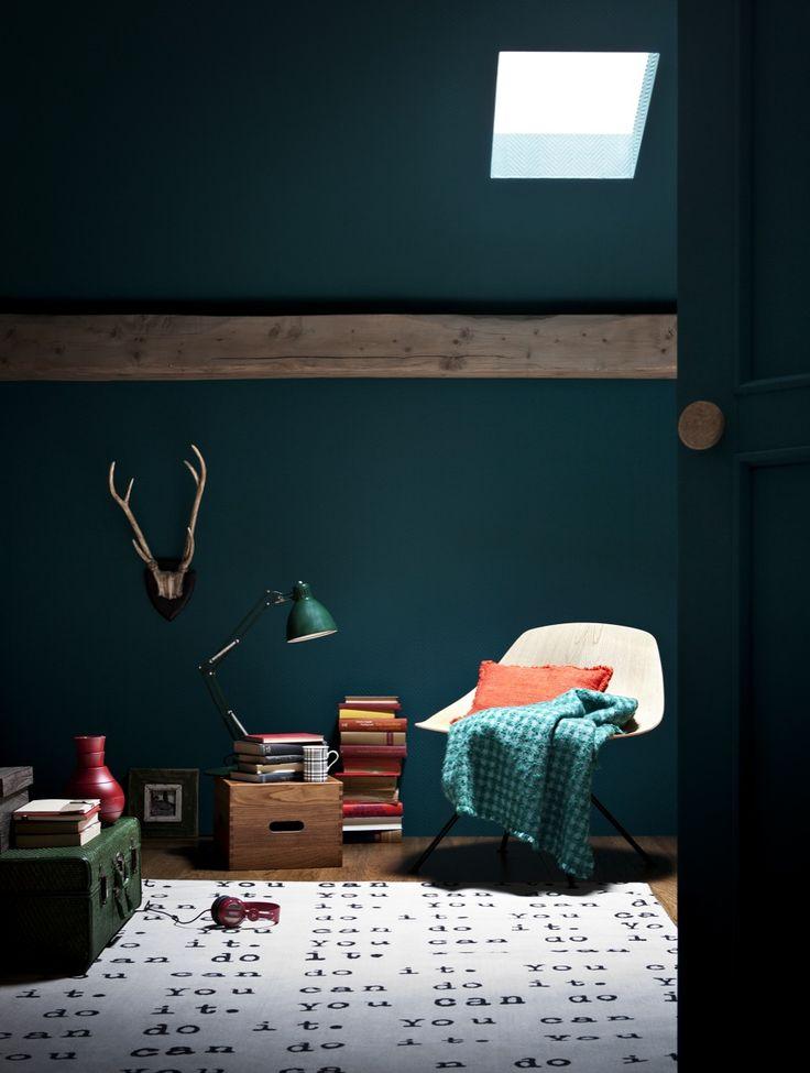 Les 25 meilleures id es de la cat gorie murs vert fonc sur pinterest chambres vert fonc for Peinture chambre vert canard