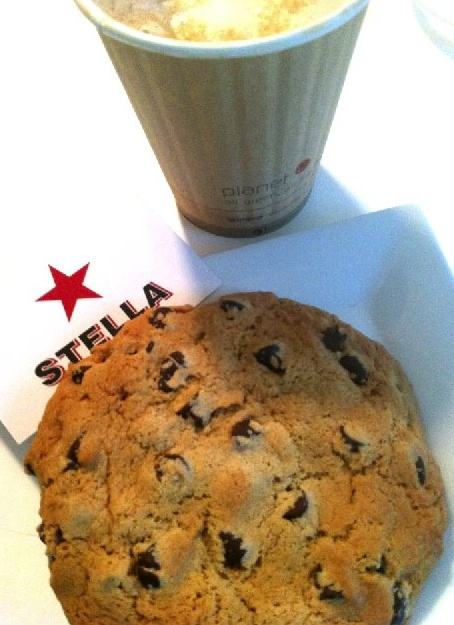 Stella cafe coffee + cookie