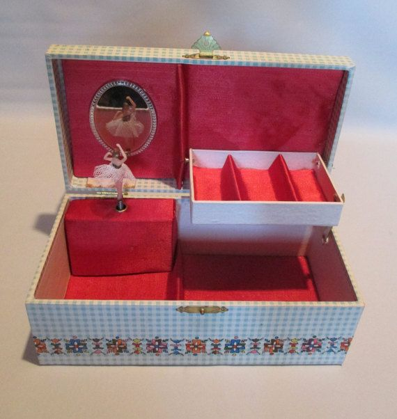 Twirling Ballerina Musical Jewelry Box  Vintage by HobbitHouse