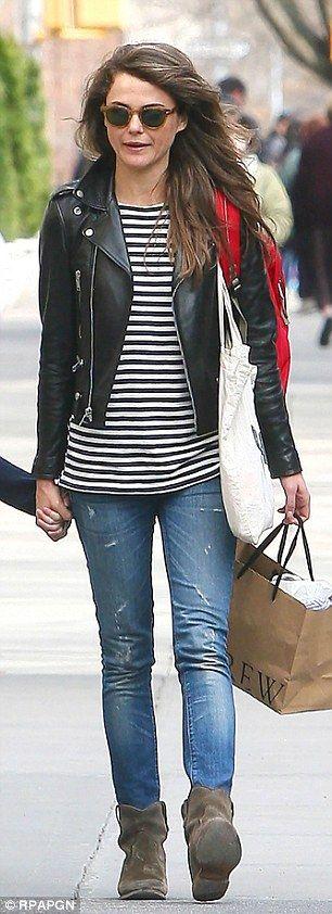 Keri Russells walks with her mini-mi daughter Willa #dailymail