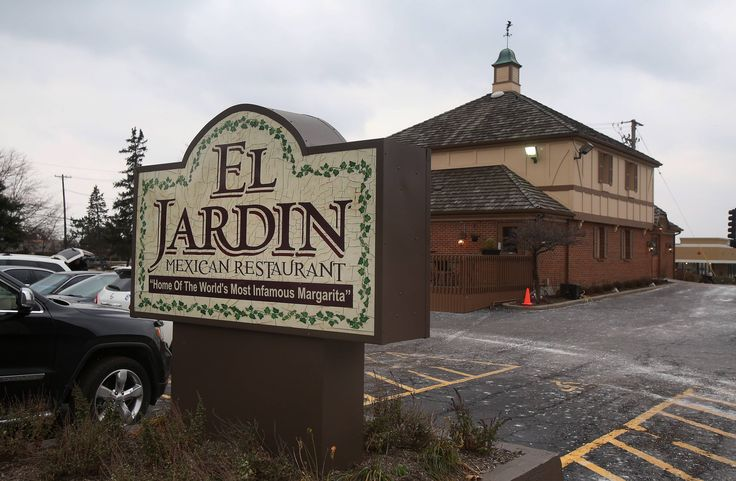 El Jardin Mexican Restaurant in Lake Zurich is owned by Larry Ruiz.