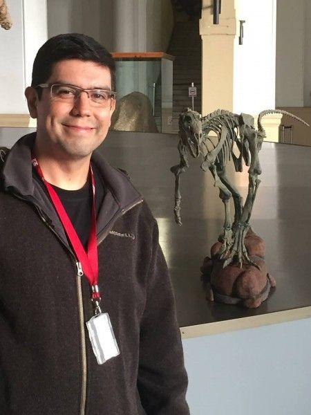 En El Mostrador, reportaje al futuro del Chilesaurus diegosuarezi, con David Rubilar, del Área de Paleontología del MNHN.