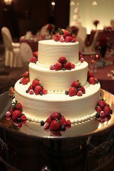 夢いっぱいのウエディングケーキを!