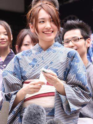 新垣結衣 #yukata >> pinterest.com/yurina3c/yui-aragaki/