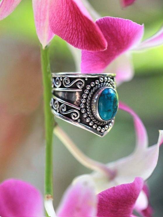 La Bohème Turquoise - bague balinaise en argent et pierre turquoise : Bague par yaelle-bali-jewelry