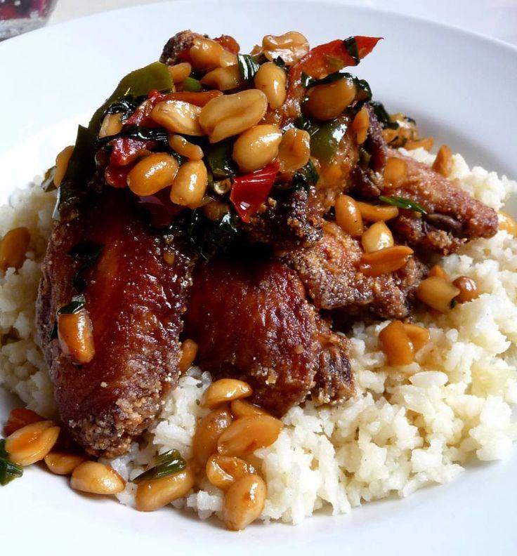 Ropogós mogyorós csirkeszárny ragacsos rizzsel / Crunchy peanut chicken wings with sticky rice