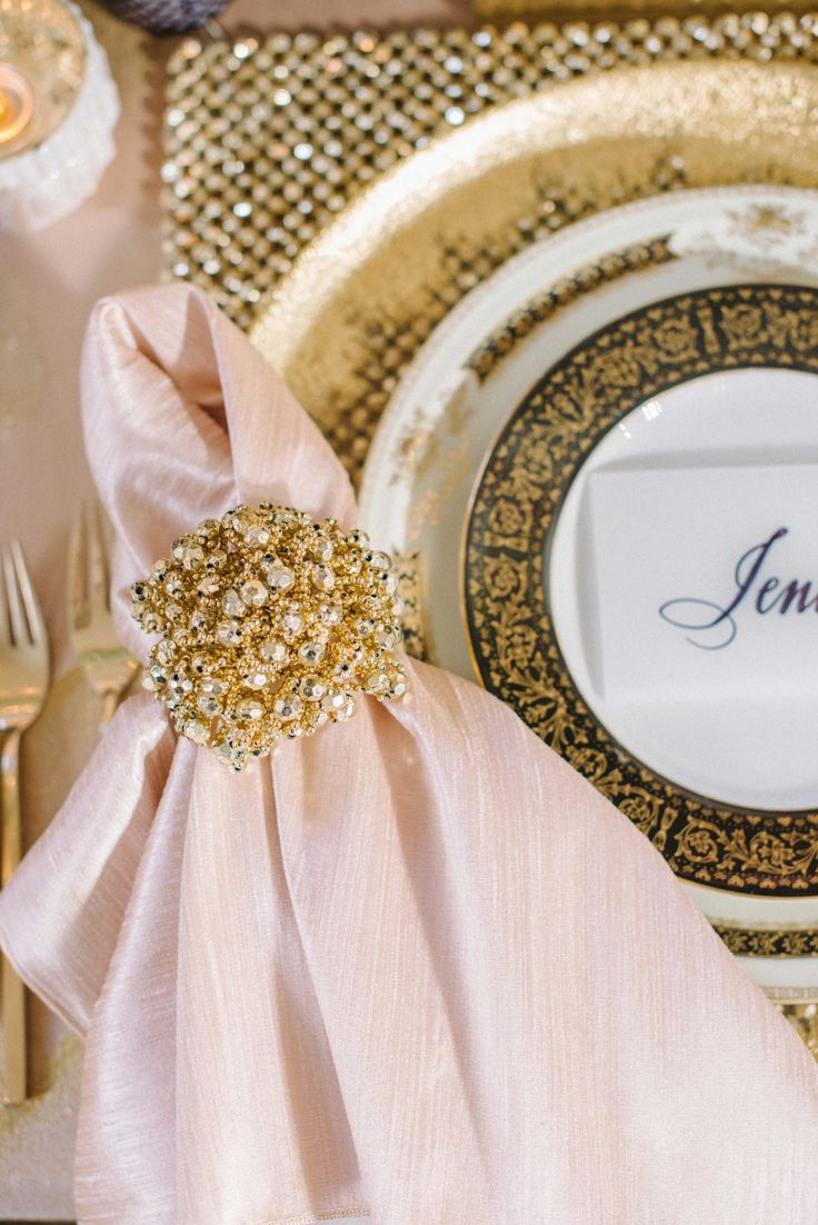 Best 25 Gold napkins ideas on Pinterest Folding napkins Gold