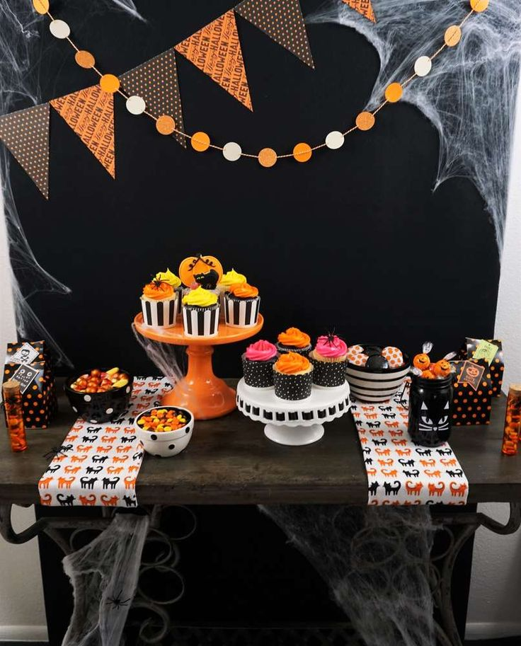 candy sweets dessert halloween party ideas - Halloween Birthday Party Ideas