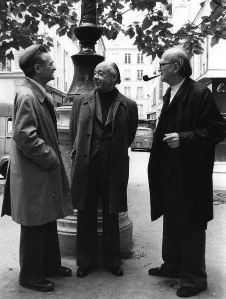 Emil Cioran, Eugen Ionescu si Mircea Eliade, Place Furstenberg din Paris, în anul 1986.