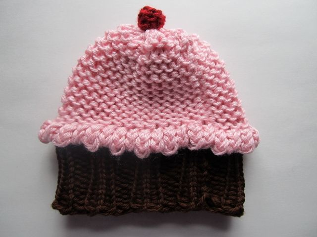 Knitted Cupcake Hat Pattern Free : This Mama Knits: Cupcake Hat Pattern for loom knitting DIY Pinterest Fl...