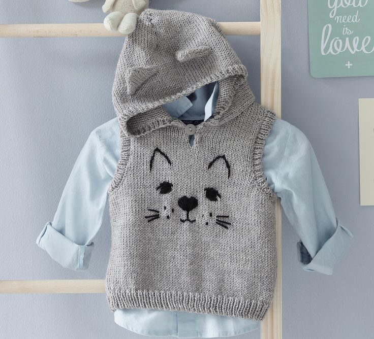 Voici LE pull qui fera paraître bébé pour un vrai petit chaton ! Beaucoup de douceur et de chaleur avec ce modèle tricoté en '5;> Laine Mérinos Alpaga', coloris Flanelle. Un peu de coloris Noir sera également nécessaire pour les finitions de ce modèle.Modèle N°10 du mini-catalogue N°601 : Automne/Hiver 2015, Layette.