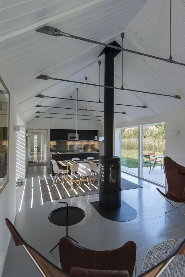 Modern Barn living: check out this house in Sweden