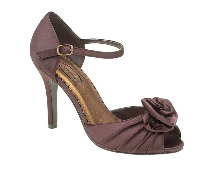 brown wedding shoes best 25 chocolate brown wedding ideas on 2092