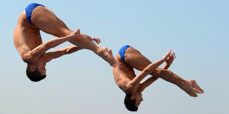 I tuffi sono una disciplina che consiste nel lanciarsi in acqua da un trampolino…