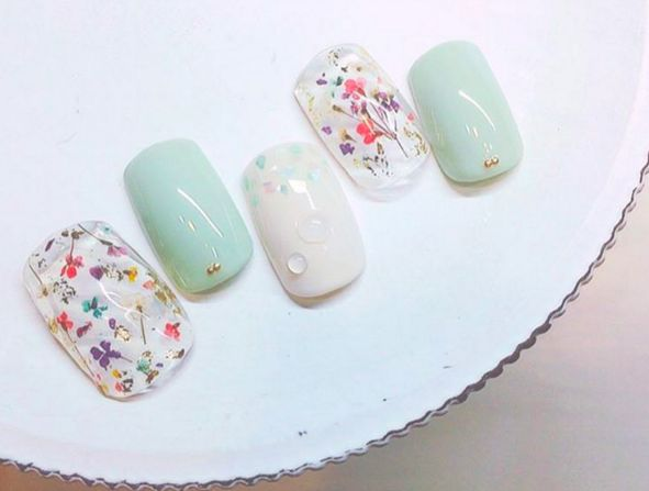 Blossom white green delicate elegant simple nail art spring summer 2017 with jewels