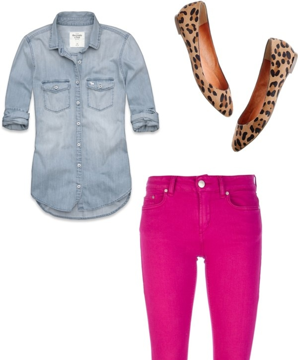 Spring Outfit. Chambray shirt, pink Bermuda shorts, leopard shoes