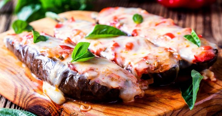 Papoutsakia - asta este cea mai simplă, rapidă și delicioasă rețetă pentru preparatul acesta grecesc plin de savoare, pe bază de carne și vinete! De făcut!