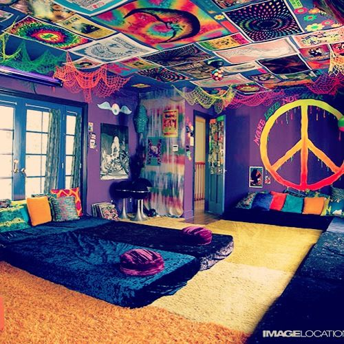 My Dream Bedroom :') #blacklights #hippie #color #colors