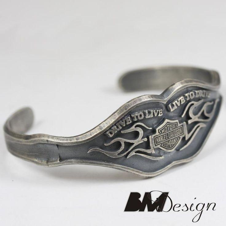 Srebrna bransoleta Harley Davidson Projekt i wykonanie BM Design.  Męska biżuteria. Biżuteria dla motocyklisty Rzeszów. Rzeszów #srebro #harley #Rzeszów #platyna  #sygnet #obrączki #obrączkiślubne #diamenty #pierścionekzaręczynowy #jubiler #złotnik #naprawa #nazamówienie