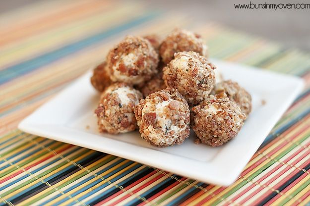 goat cheese bacon ball recipe  From Buns In My Oven