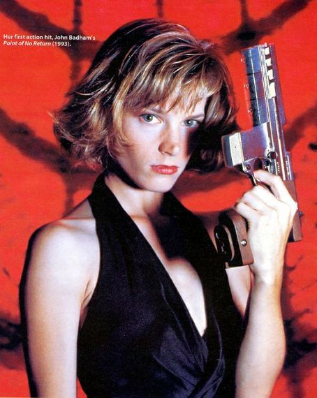 Bridget Fonda in Point Of No Return | BadAssMovieChicks ...