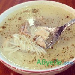 Tavuk Suyu Çorbası Tarifi www.afiyetle.com