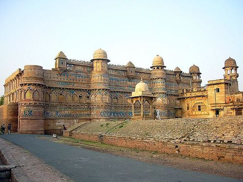 Man Mandir Palace, Gwalior Fort, Gwalior, Madhya Pradesh, India. (Large size view recommended for the details of tile work).